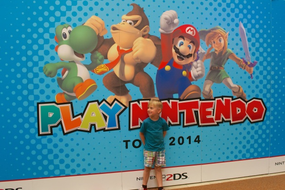 Play Nintendo Tour 10